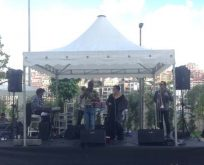 MESA KOZA 66 Anneler Günü partisinde 'Grup Hermanos' grubu Latin rüzgarı estirdi