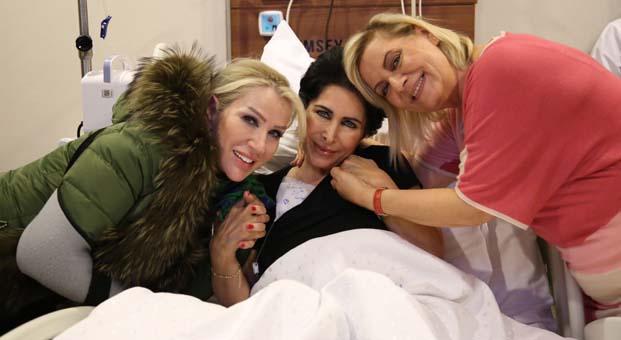 Seda Sayan ve Ceylan hastanede Nuray Hafiftaş'ı ziyaret etti
