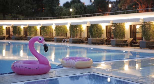 Hilton İstanbul Bosphorus'tan yazın en cool havuz partisi