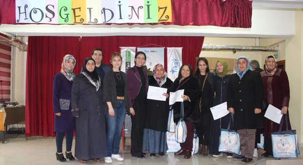 """""""Hijyen Sağlıktır"""" projesi Mart ayında 6 bölgede 600'ü aşkın kadına ulaştı"""