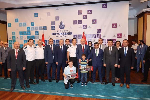 Uysal: İnşallah hep beraber görevimizi tam yapacağız ve İstanbul'da bayram, bayram tadında geçecek