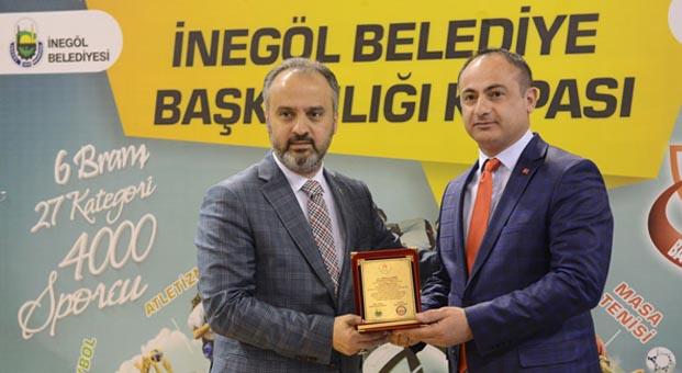 İnegöl Belediyesi Başkanlık Kupası sahiplerini buldu