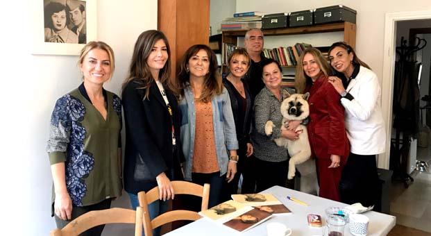 İyilik İçin Sanat Derneği üyeleri, Cansen Ercan'ı atölyesinde ziyaret etti