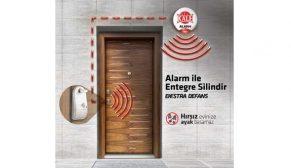 Kale Alarm hırsızı kapıda durduruyor
