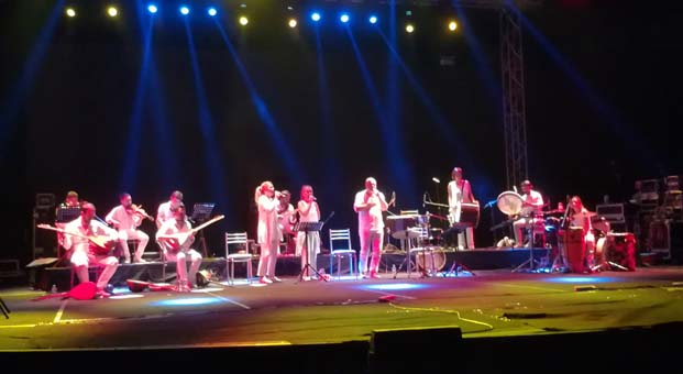 Kardeş Türküler Yol Albümünün ilk konserini Antalya'da gerçekleştirdi
