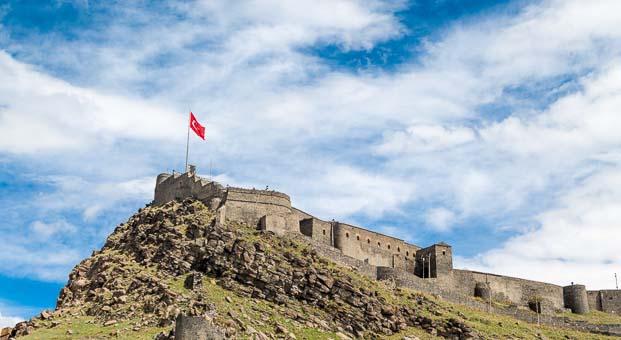 Kars'ta nereler gezilebilecek yerler ve Kars'ta kalınabilecek oteller
