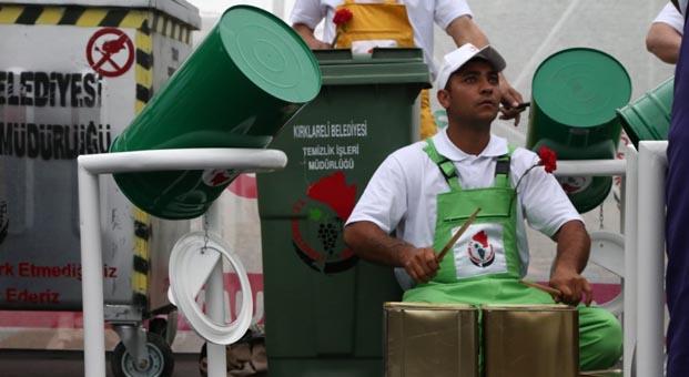 Kırklareli'nde çöpten müzik çıktı