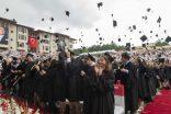Koç Üniversitesi24'üncü yıl mezunlarını verdi