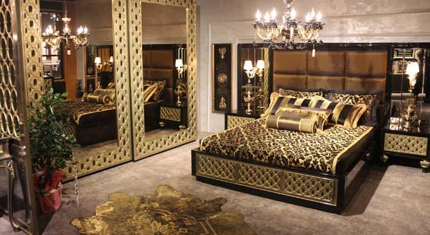 Orta Doğu'ya saray mobilyası, dargın çiftlere aşk koltuğu