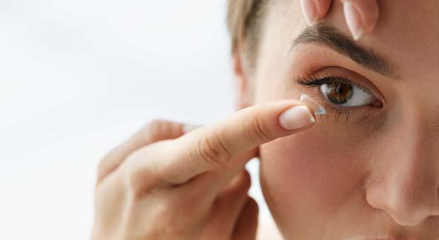Kontakt lens kullananların yüzde 80'i risk altında
