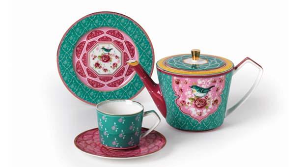 Yaz misafirlerine özel cıvıl cıvıl çay seti