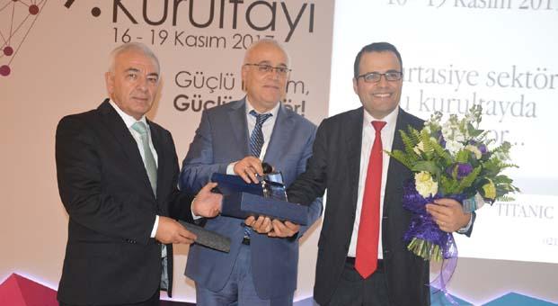 Ekonomi duayeni Prof. Dr. Demirtaş kırtasiyecilerle buluştu