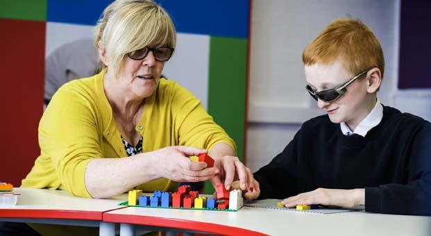 Görme engelli çocuklar Braille alfabesini LEGO® ile öğrenecek