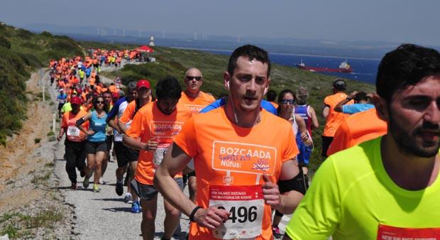 New Balance Bozcaada yarı maratonu ve 10K Koşusu 13 Mayıs Cumartesi günü