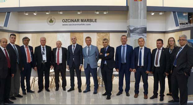 İMİB 52 Türk doğal taş firmasıyla İtalya'ya çıkarma yaptı