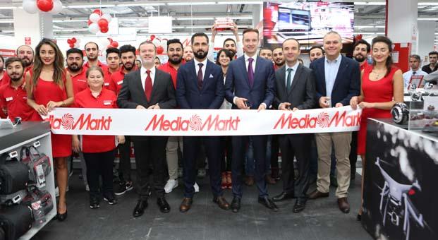 MediaMarkt 51. mağazasını yüzde 75'e varan indirimlerle açtı