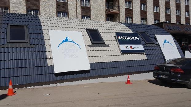 Uludağ Ekonomi Zirvesi, iş dünyasına Megaron çatıları üzerinden baktı