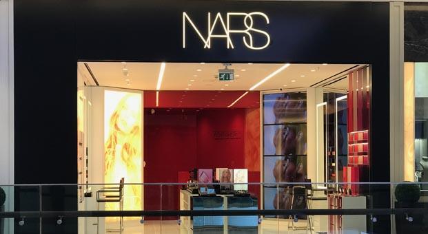 NARS'ın Emaar Square'deki mağazası kapılarınıaçtı