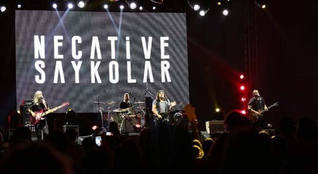 Rock sahnesinde İzmirlilere sürpriz