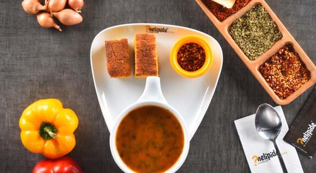 Karalahana çorbası ile kışa sıcacık bir merhaba