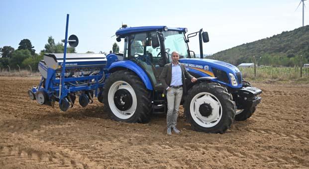 New Holland son teknolojilerini Bursa Tarım Fuarı'nda çiftçilerin beğenisine sunuyor
