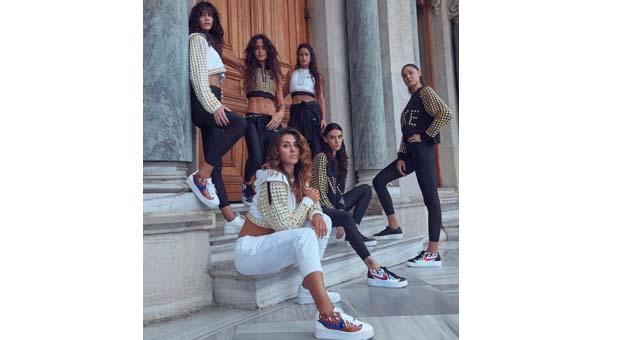 Nike kadınlar için gücün geleceğini tanımlıyor: Air Force 1 x Raisa & Vanessa