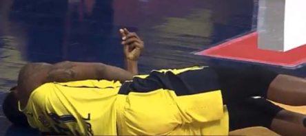 Fenerbahçeli Nunally'nin düşerek sakatlanma anı korkuttu Nunally'nin sağlık durumu nasıl