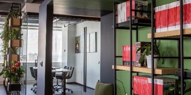 Doğal Bileşenlerin Buluşma Noktası: The Business Year Office
