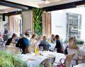 La Petite Maison özel menüsü ve keyifli atmosferi ile öğle yemeklerinin de bir numaralı tercihi
