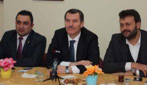 AK Parti'nin Zeytinburnu adayı Ömer Arısoy, kentsel dönüşüm konusunda vatandaşı dinledi