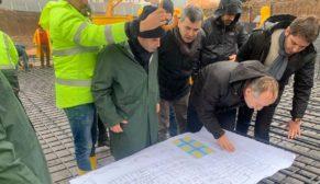 TOKİ Başkanı Bulut deprem bölgesindeki toplu konut alanında incelemelerde bulundu