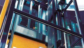 Deprem yönetmeliğine uygun yapılan binalardaki asansörler daha güvenli