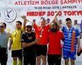 Otizmli sporcular madalyaya koşuyor