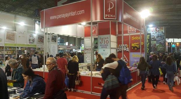 Pena Yayınları'nın Dünyası 22. İzmir Kitap Fuarı'nda