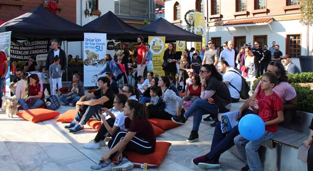 Petival Festivali İstMarina AVM'de renkli anlara sahne oldu