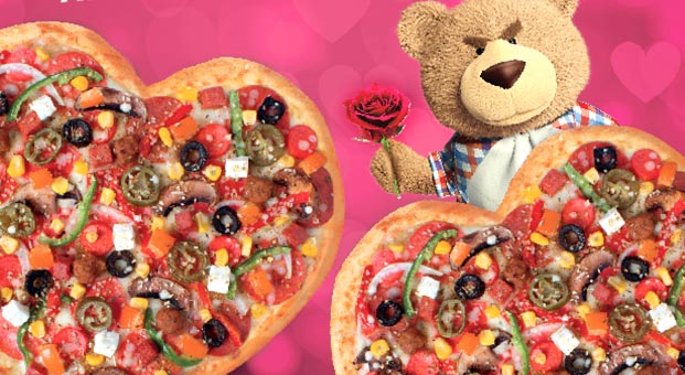 Annelere kalpten sürpriz Domino's Pizza'dan