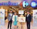 """Ünlü tasarımcı Raşit Bağzıbağlı CarrefourSA ve TİDER iş birliği için """"Bi' Çanta İyilik"""" projesine imza attı"""