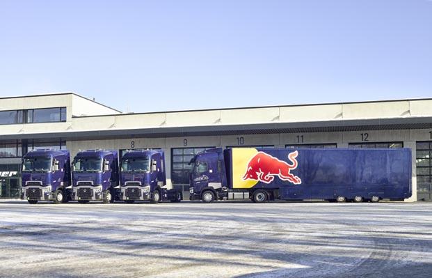Red BullRacing takımı filosuna üç Renault Trucks çekici daha ekledi
