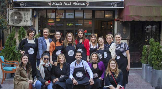"""Reis Gıda'dan Kadınlar Günü'nde """"Hayata Sarıl"""" desteği"""