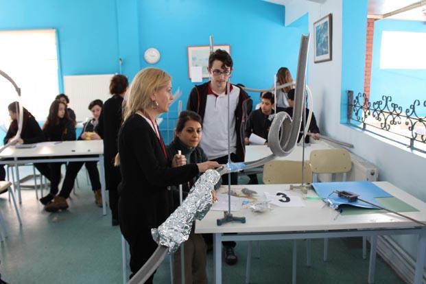 Uğur Koleji, STEM ile üretim odaklı bireyler yetiştiriyor