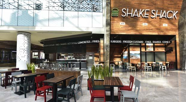 Shake Shack yeni mağazasını Vadi İstanbul AVM'de açtı