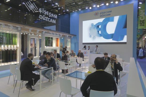 Şişecam Düzcam Yapı Fuarı'nda yenilikçi ürünlerini tanıttı