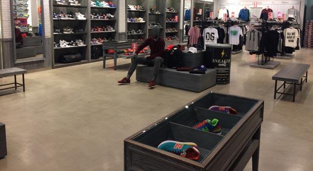 Sneaker Varili ihtiyaç sahiplerine ulaşıyor