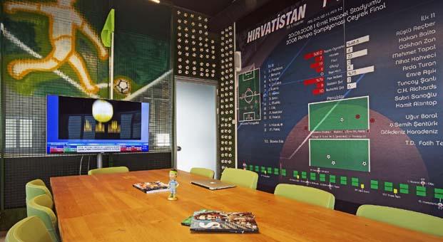 Spor dünyasını yenilenen ofisine taşıdı