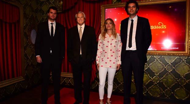 Tarık Akan'ı aramızdan ayrılışının ikinci yıl dönümündeMadame Tussauds İstanbul'da ziyaret edin