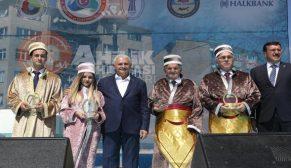 TOKİ Başkanı Ergün Turan'a 2017 Ahilik Hizmet Ödülü