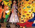 Trumpland'de çocuklar hafta sonu süslü yelpazeler tasarlayıp tiyatro izleyecek