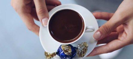 Mağazalardaki kahve ikramı mobilde zirveye taşıdı