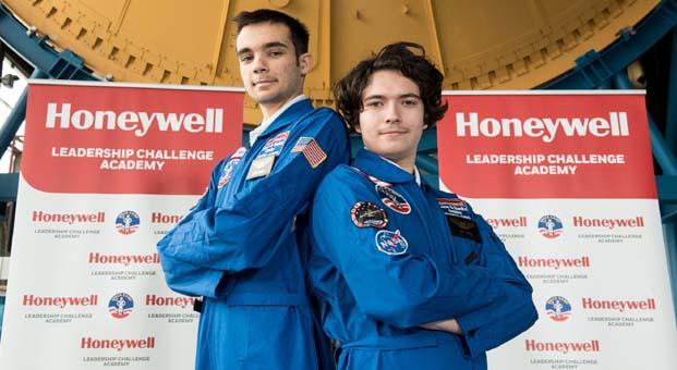 İki Türk öğrenci ABD'de Uzay Kampı'na seçildi