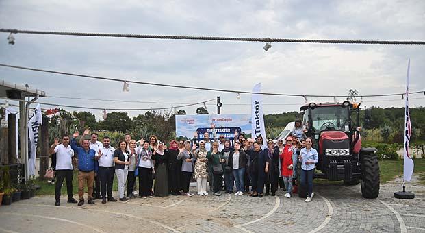 TürkTraktör 'Dünya Kadın Çiftçiler Günü'nü son teknolojisiyle kutladı